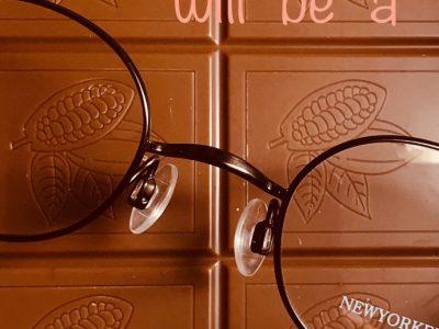 チョコレートカラーのメガネはいかが?