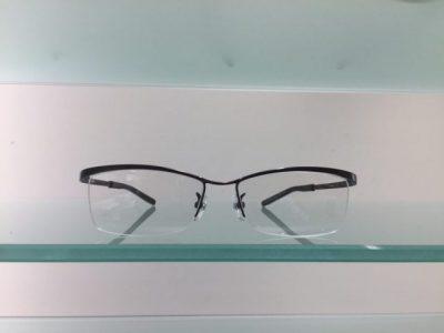 キャラが際立つメガネ その72~999,9 S-675T