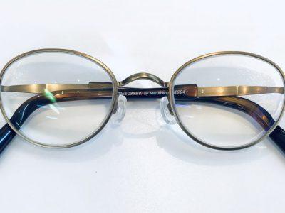 今では珍しいメガネレンズ